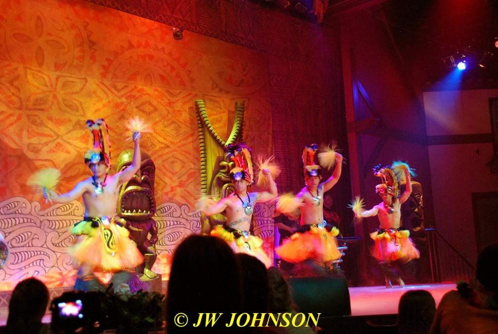 Polynesian Show Hula Dancers Male