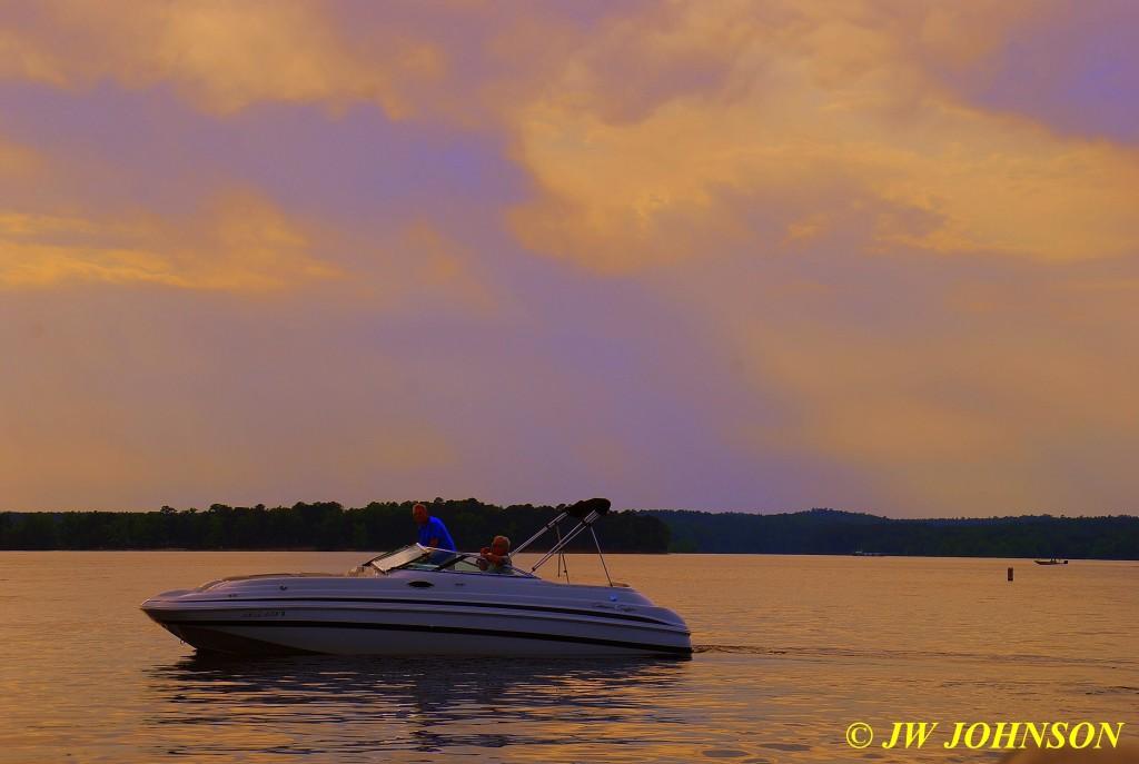 99 Speedboat in Sunbeams