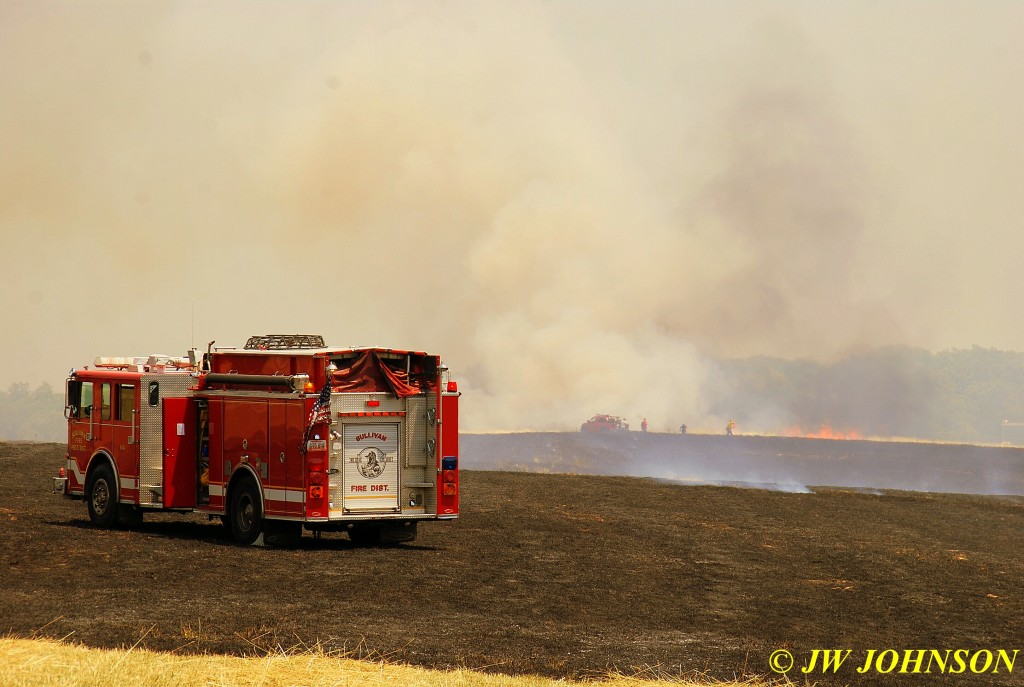 19 Crews Race to Contain Fire