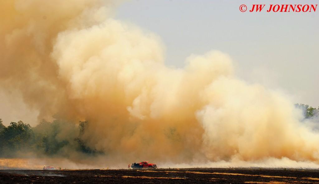 31 Heavy Smoke Cloud Dominates Brush Truck
