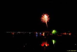 00X Harbor Skies Fireworks Begin
