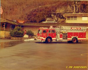 Ladder 812 Meramac Caverns Bluff 2